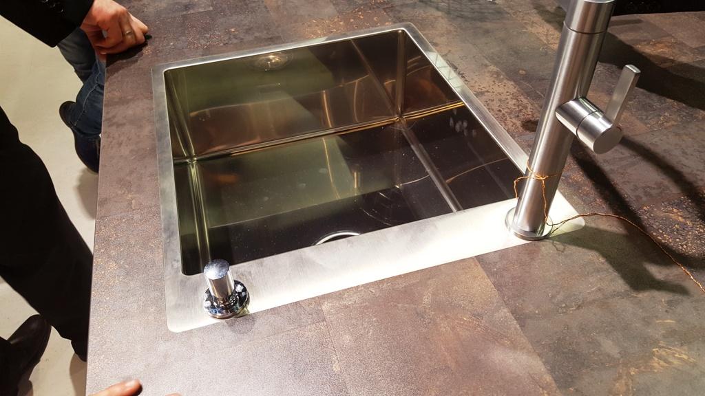 Flaechenbuendig Eingebaute Spuele Schichtstoff Arbeitsplatte Ihr Kuchenstudio In Schwabach